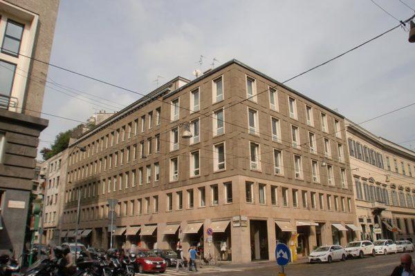 Sopralzo uffici - Via Manzoni Milano - Prima